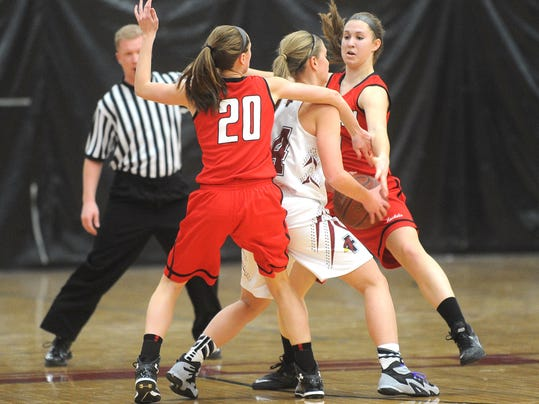 FON 020615 fdl vs neenah girls bball 052.jpg