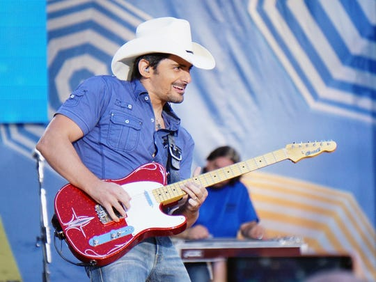 Brad Paisley will turn up the twang when he brings
