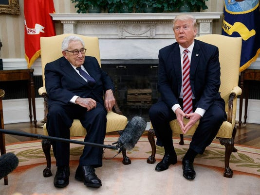 636300380234397869-trump-kissinger.JPG
