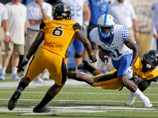 Kentucky's Isaiah Epps (81) faces off against Southern