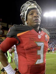 Jameis Winston leaves the field after the Buccaneers lost to the Giants.