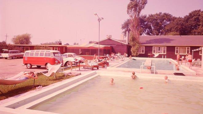 Rutherford's Motor Hotel in Hika, circa 1955.