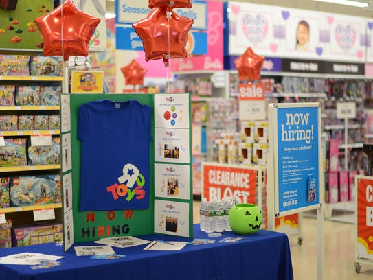 Toys For Business : Toys r us new starts curbside pickup service