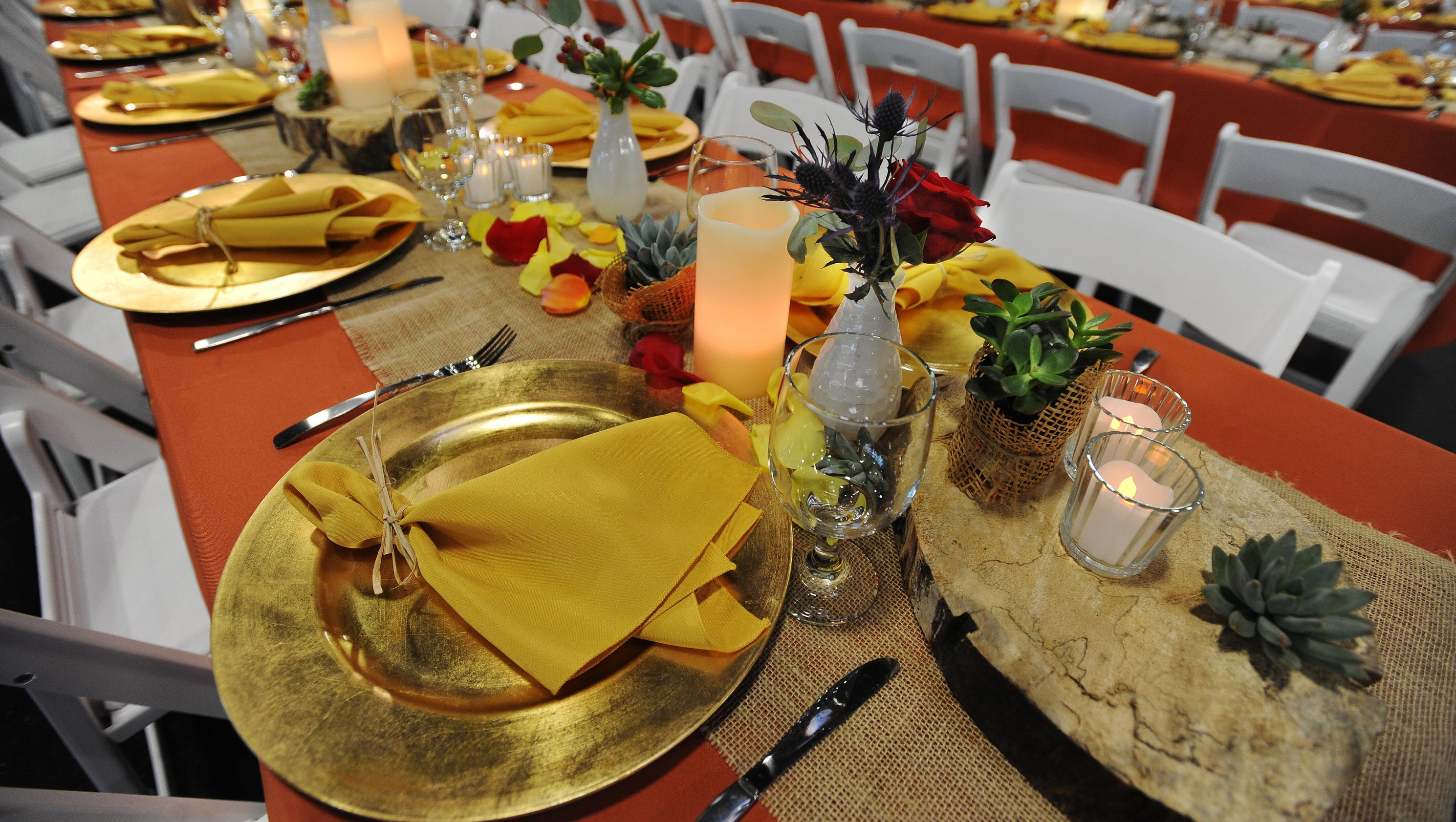 Gobble up thanksgiving dinner at area restaurants for What restaurants are serving thanksgiving dinner