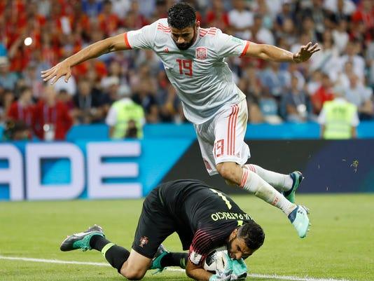 Russia_Soccer_WCup_Portugal_Spain_94198.jpg