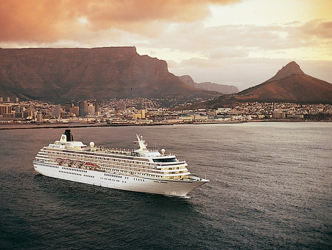 CRYSTAL CRUISES, cie de Luxe de Genting HK 1379970712000-Crystal-Symphony-Capetown