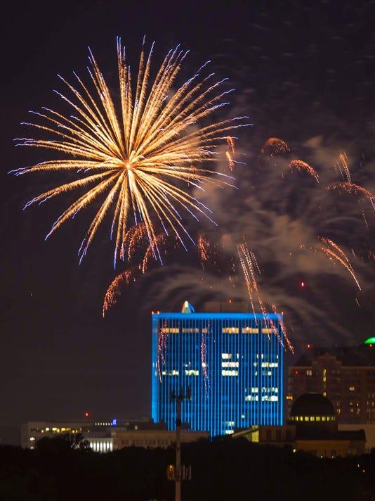 070317_fireworks_YDPops_rwhite_231