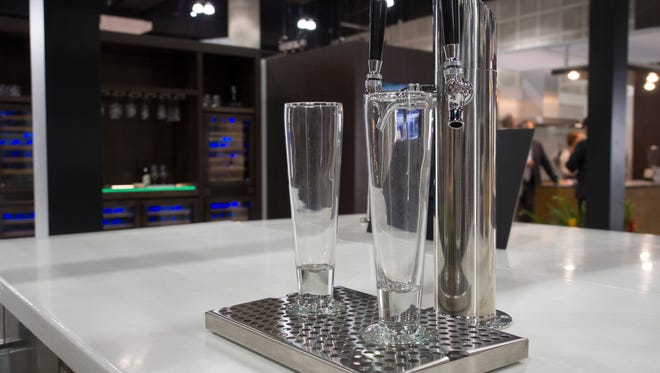 An innovative airflow system gives you a perfect pour every time.