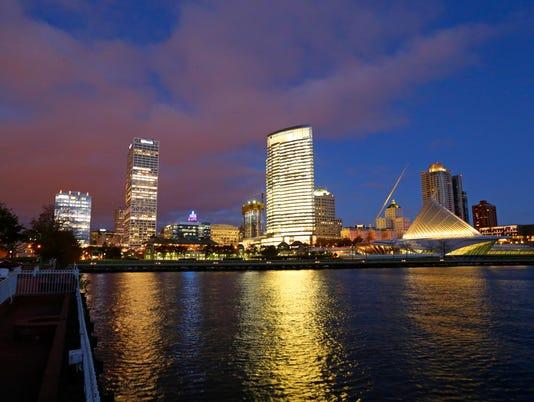 636462470110109675-MJS-skyline-Milwaukee-de-sisti-desisti-1565.JPG