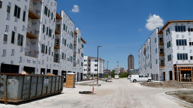 Hubbell is also building an apartment and retail complex at 510 S.W. Ninth Street, called Cityville, in addition to its townhomes in the area.