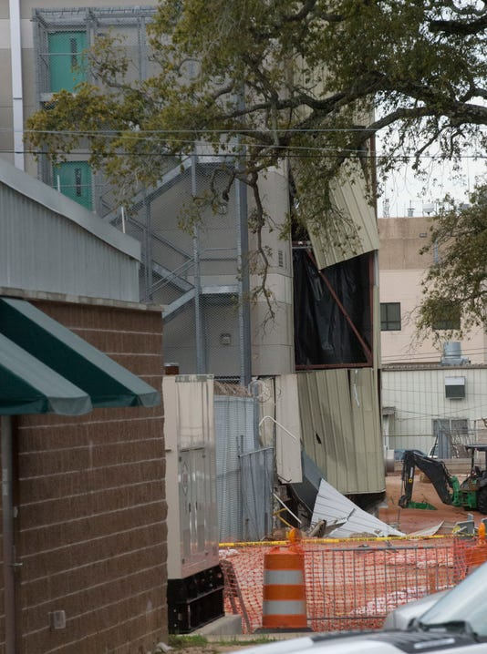 Fla. jail explosion kills 2, injures 184