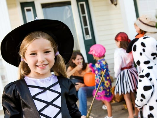 Surprise your little ones and take them trick or treating at Gulf Breeze Zoo!