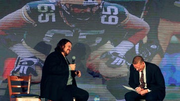Mark Tauscher talks Packers, prep hoops at Red Smith Banquet