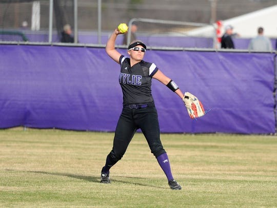 Wylie outfielder Lilly New (16) throws the ball back