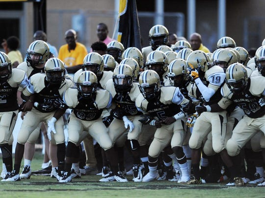 Bassfield prepares for last year's game against Purvis.