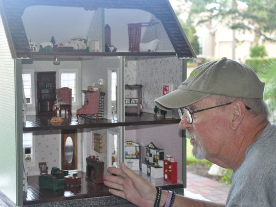 VNA volunteerTom Shoafhelped restore this dollhouse,