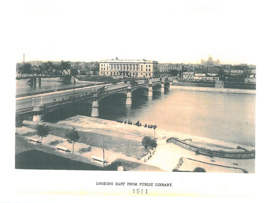 A 1914 image of the Locust Street Bridge