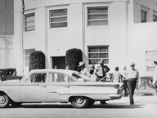 0830-HV-Sheriff-Baker-at-bank-Jan-16-1961.jpg
