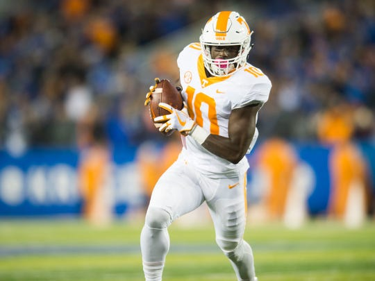 Tennessee wide receiver Tyler Byrd (10) runs with the