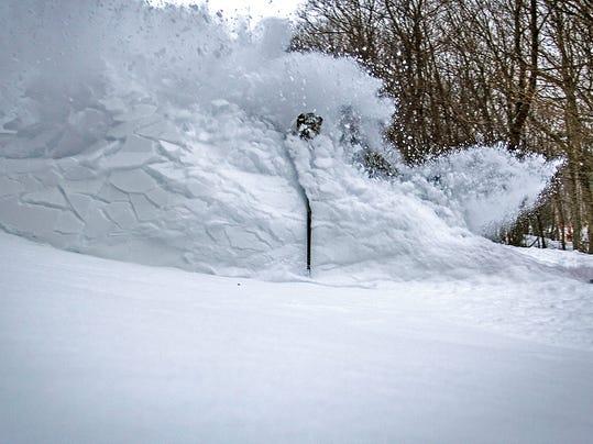 BUR 0221 SNOW LEAD 1