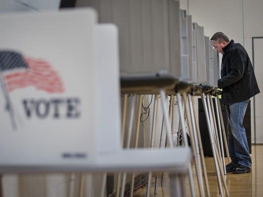 635659114024482119-OSH-Oshkosh-April-Elections-040672015-JK-0007