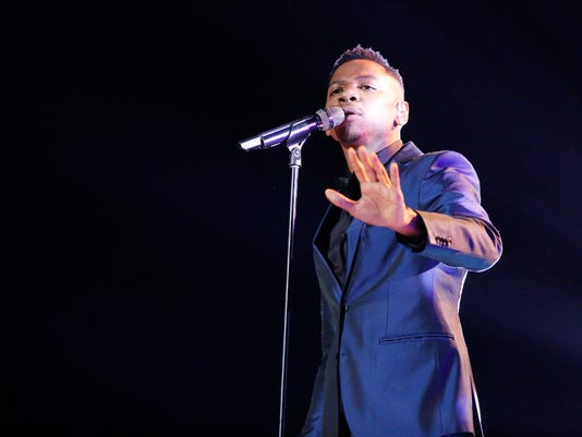 "Chris Blue performs in ""The Voice"" semifinals"