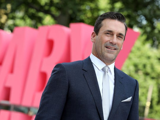 Now, that's how you wear a suit. Jon Hamm attends the