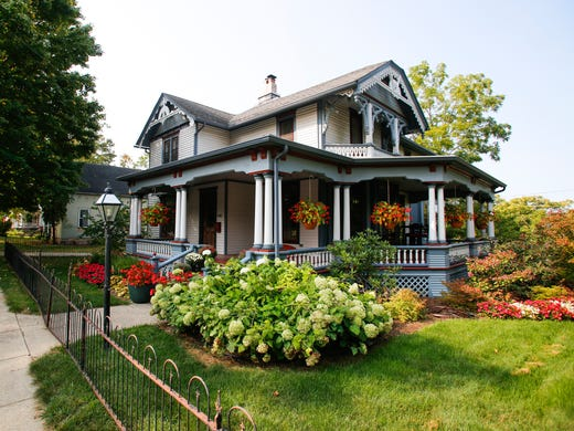 cool spaces a 132 year old victorian home on the grand river