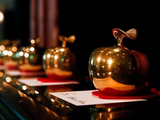 Golden Apple #iStock