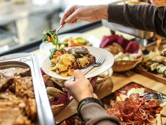 111317holiday-buffet-GettyImages-648316070.jpg