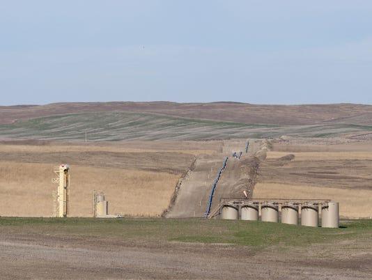Thousands of barrels of oil spill after leak in Keystone Pipeline