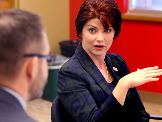 Lt. Gov Kleefisch visits Pewaukee's Insight program