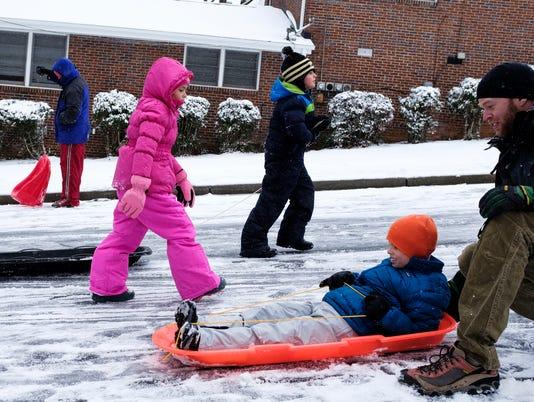 636517917520340987-JM.snow.011718.005.jpg