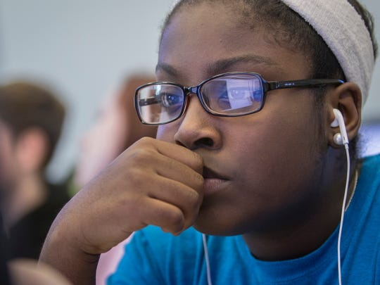 Pine Forest High School sophomore Annesa Williams concentrates