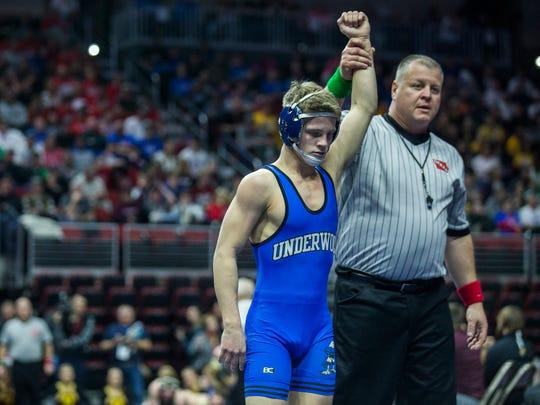Underwood's Alex Thomsen wins his match against Iowa