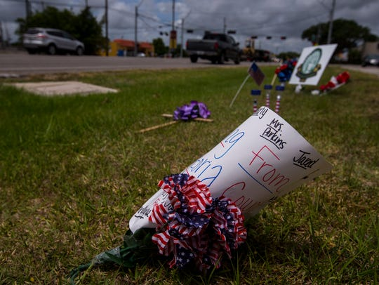 Memorial signs for the victims of the Santa Fe High