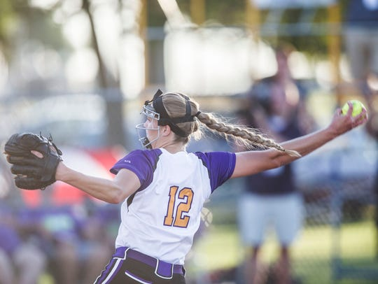 Indianola's Sydney Sickels pitches during the state