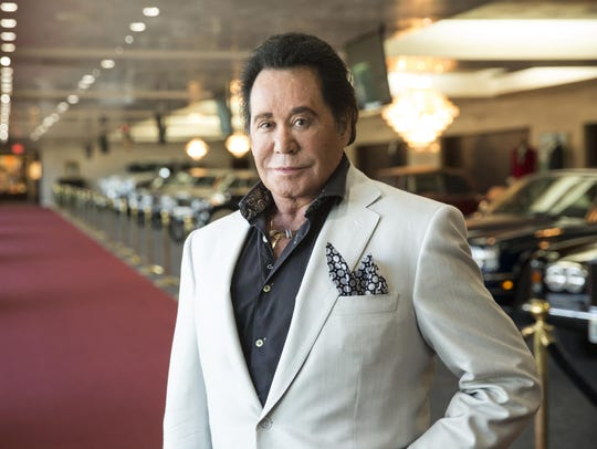 Wayne Newton poses in 2015 for a photo at his home