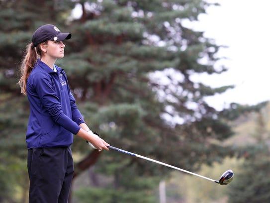 Waukesha golfer Jessica Kuzniewski lines up her shot