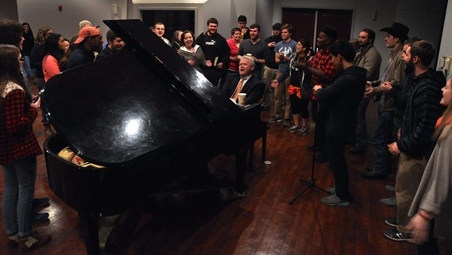 Louisiana College students Thursday evening had their first meeting with Rick Brewer who earlier that day was unanimously named president of the school by its Board of Trustees. Before the evening wrapped up, Brewer was joined by students around the piano for several songs.