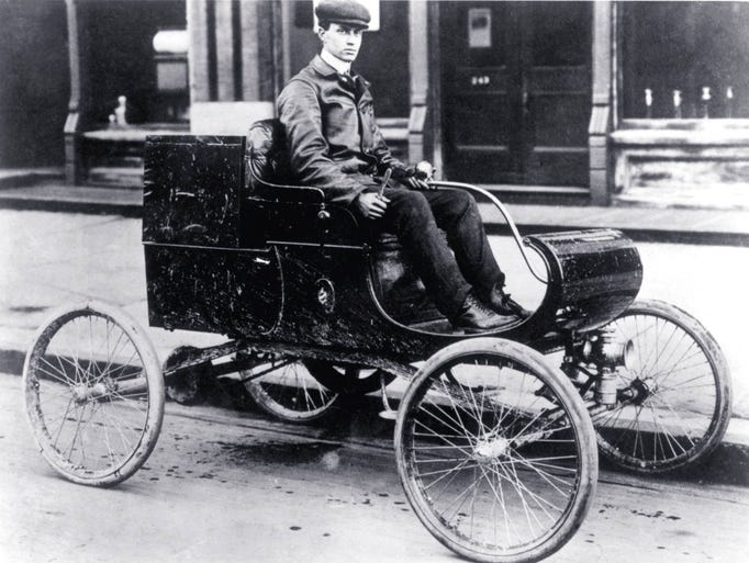 The 1901 Curved Dash Oldsmobile.