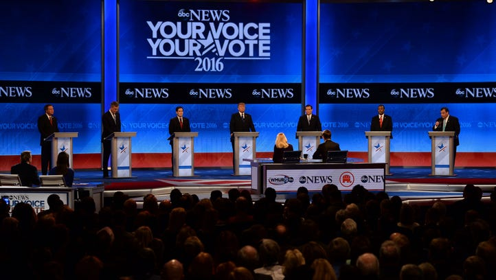 GOP candidates line the stage at the Feb. 6, 2016,