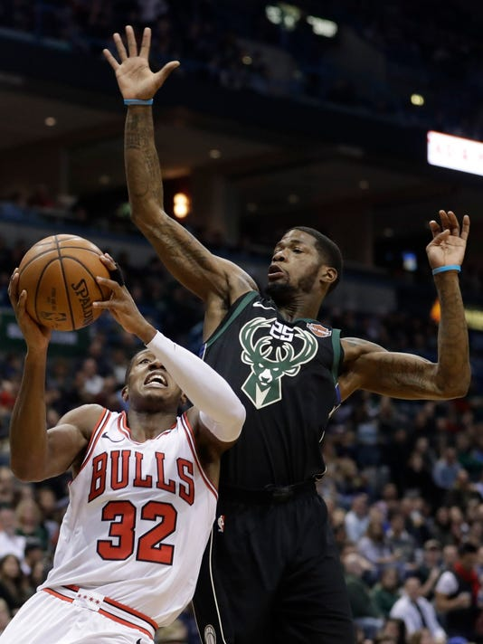 636508730099136407-AP-Bulls-Bucks-Basketball.jpg