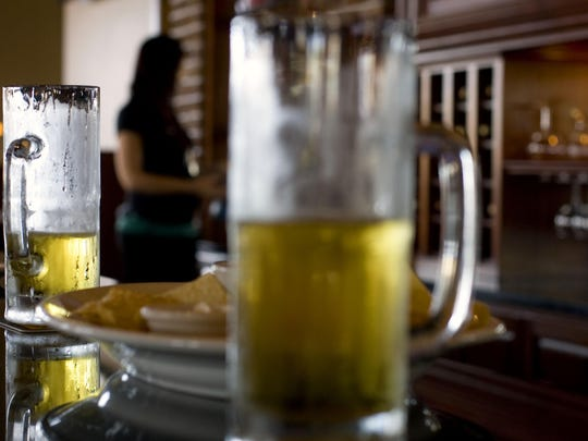 A proposal to raise low alcohol limits for beer sold at Utah grocery stores has cleared its first hurdle.