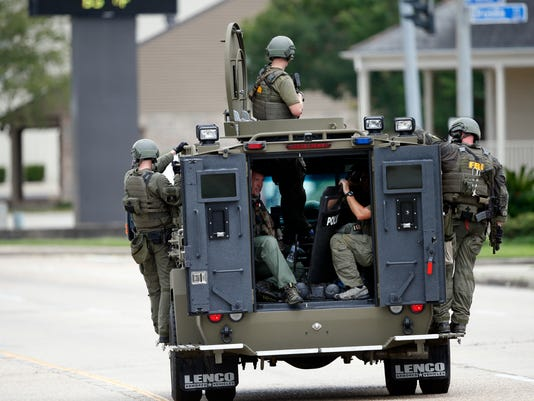 AP POLICE SHOT BATON ROUGE A USA LA