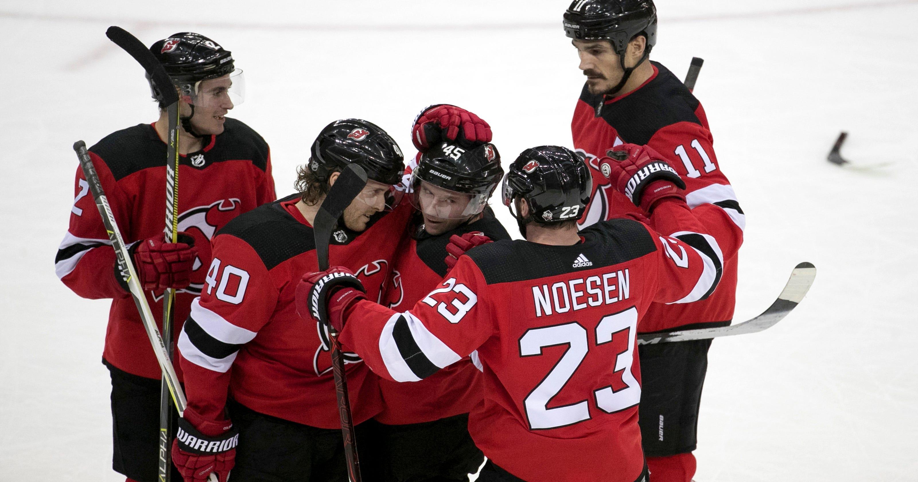 new concept 1ae89 5e069 Nico Hischier scores twice as Devils win fifth straight