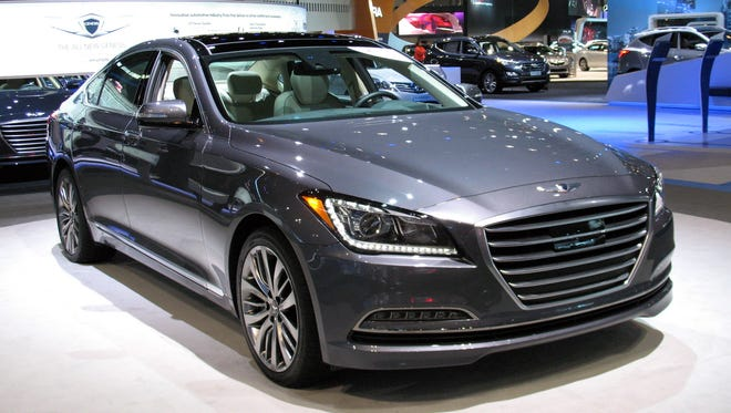 2015-Hyundai-Genesis-sedan
