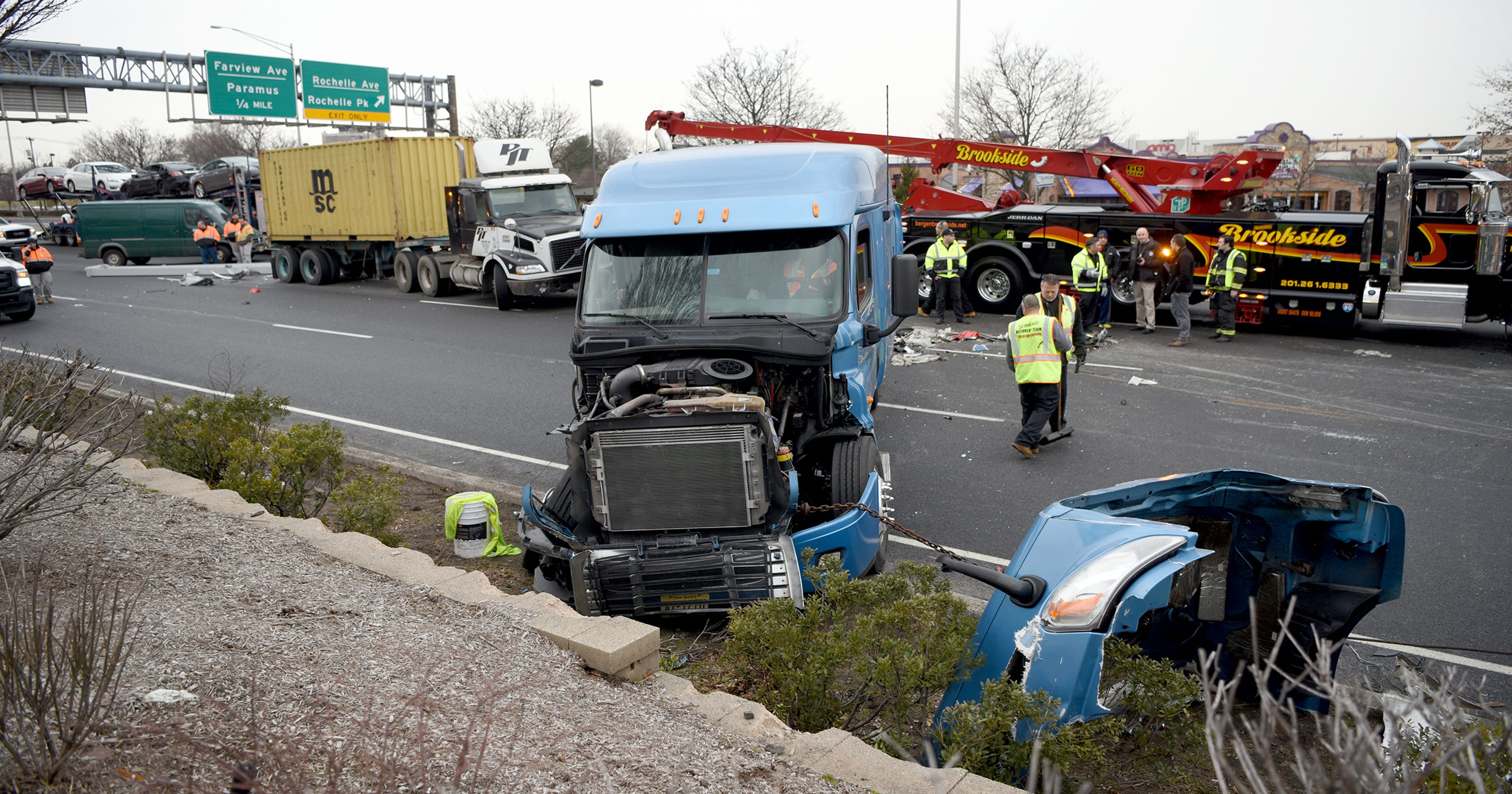 Crash on Route 17 in Paramus snarled morning commute