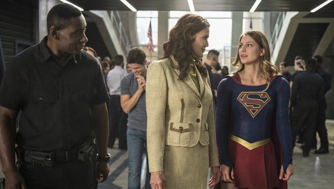 David Harewood as Hank Henshaw, Lynda Carter as President Olivia Marsdin, and Melissa Benoist as Supergirl in CW's 'Supergirl.'