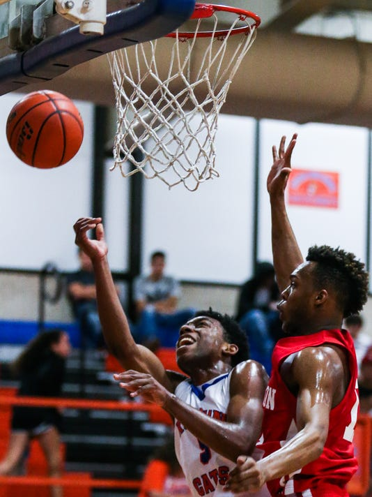 Central vs Belton boys basketball Jan. 9, 2018